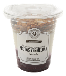 Iogurte Com Compota De Frutas Vermelhas E Granola