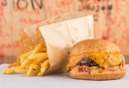 Cheeseburger  140g e Fritas