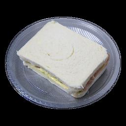 Sanduíche de Frango e Alface