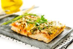 Pizza Rústica Integral de Atum, Escarola e Queijo Light