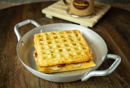 Lanche waffle Romeu e Julieta com queijo padrão