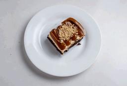 Brownie Cheesecake de Doce de Leite com Nozes