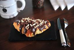 Croissant Recheado com Brigadeiro