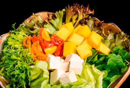 Salada de Tofu e Manga