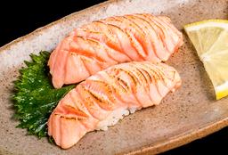Sushi de Salmão Maçaricado