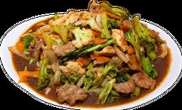 Yakissoba Tradicional Carne e Frango