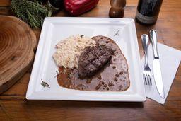 Steak de Filé ao Molho Poivre