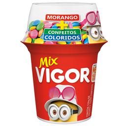 Iogurte Sabor Morango com Colorball Mix Vigor com 165g