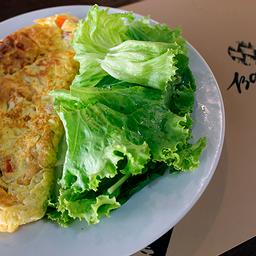 Omelete e Salada