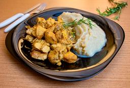 Frango ao Curry com Purê de Batata Doce