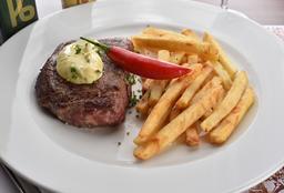 """Entrecôte Grillée Garni De Frites À """"Ronnie Von"""""""