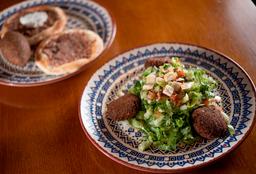 Meia Salada Alepo + 2 Esfihas e 1 Kibe Frito