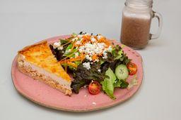 Torta de Frango + Salada + Suco do dia
