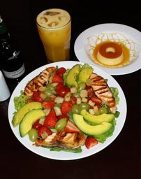 Salada Verde com Salmão Grelhado
