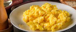 Ovos Mexidos com Queijo Branco