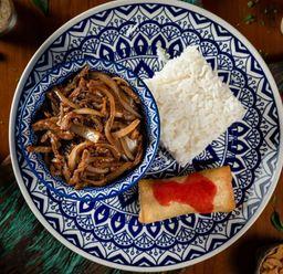 Carne Desfiada Com Broto De Bambu