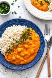 Strogonoff de grão de bico com arroz