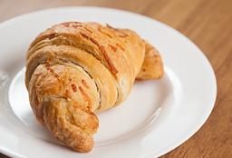 Croissant Recheado 3 Queijos