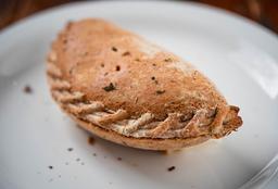 Empanada Integral com Peito de Peru e Ricota