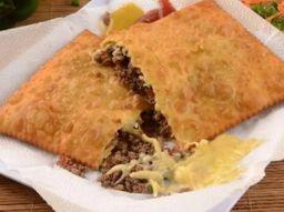 Pastel De Carne Com Queijo - 20cm