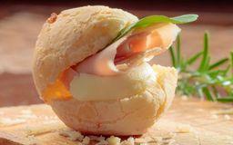 Pão de Queijo com Presunto