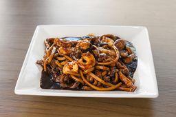 75 - Macarrão Frito Chop Suey Especial com Camarão sem Legumes