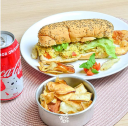 Sanduíche, Refrigerante e Chips Batata Doce