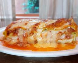 Lasagna Verdi Á La Bolognese (Serve 1 pessoa)