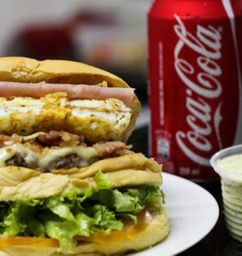 Combo X-tudo + Batata + Coca-cola 350ml