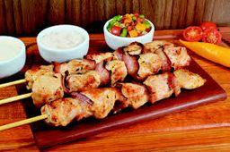 Espetinho de frango c/ bacon