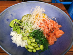 Salmão Nikkei + Chá Gelado
