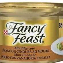 Ração Úmida Fancy Feast Gatos Frango Cenoura Ao Molho Lata 85 g