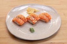 2 por 1: Sushi Especial Barriga de Salmão com Limão Siciliano
