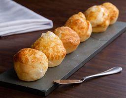 Pão de polvilho com queijo parmesão