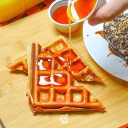 Waffle de Doce de Leite com Castanha