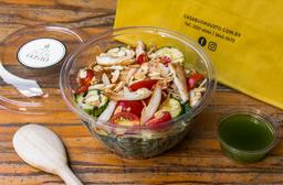 Salada Frango Pesto Parm