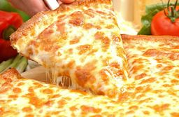 Pizza De Cinco Queijos - 8 Fatias