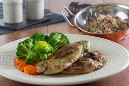 Sobrecoxa Grelhada com Arroz 7 Grãos e Brócolis com Cenoura