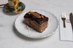 Naked Cake de Banana e Nozes com Ganache de Chocolate - Fatia