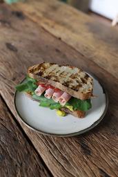 Sanduíche de Peito de Peru e Bacon