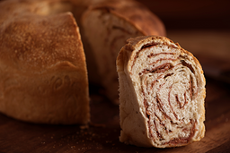 Pão Tortano de Calabresa - Fatia