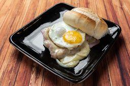 Pão de Sal com ovo, presunto e muçarela