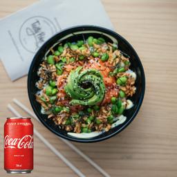 Monte seu Poke com Coca-Cola