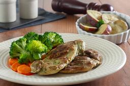 Sobrecoxa Grelhada - Batata Doce e Brócolis com Cenoura e Refri