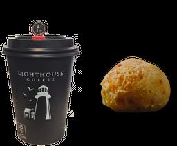 Pão de Queijo com Café House Brew