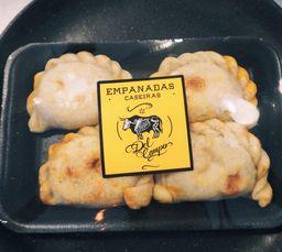 Empanadas Carne/ Carne Opicante/ Queijo/ Costela De Porco