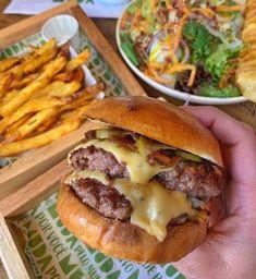 Master - Burger com Batata as Originais e Refrigerante - 350ml