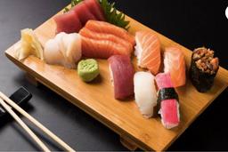6 Sushis e 6 Sashimis - Somente Salmão