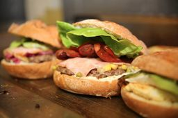 Hambúrguer Triplo Cheesse