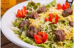 Salada Verde com Filé Bovino em Cubos